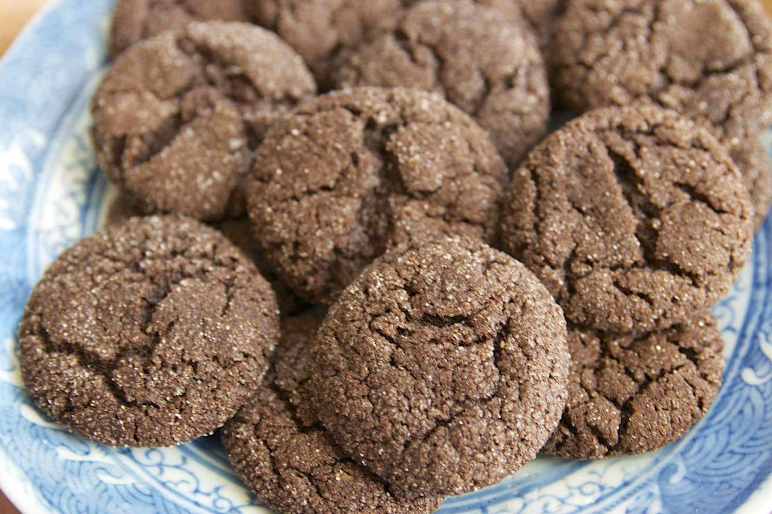 Crispy, Carob Crinkle Cookies
